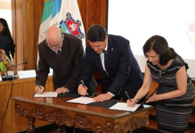 UVG firma convenio con Municipalidad de Guatemala