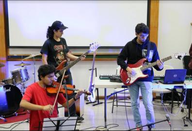 Estudiantes crean sus propias canciones